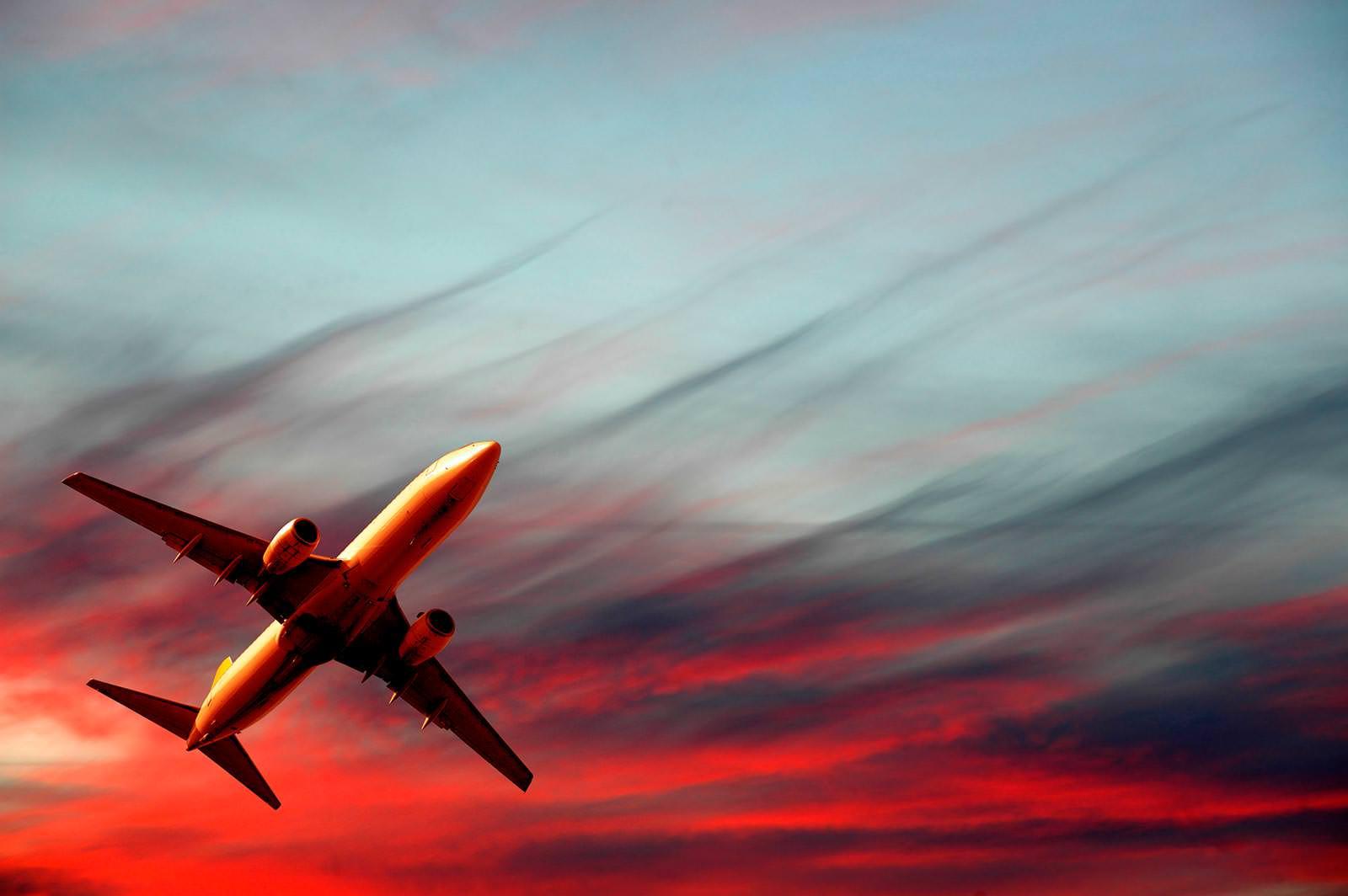 всем этим картинки самолет в полёте международного Маланинского фестиваля